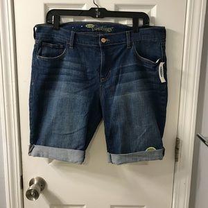 Old Navy Sweetheart Denim Bermuda Shorts 12 R NWT